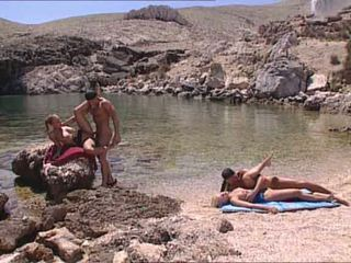 Seksi blondes fucked di orang greek island video