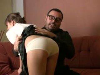 אב torbe הוא בחזרה ו - היום he?s taking טיפול של julia