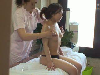 เมีย used โดย เลสเบี้ยน masseuse