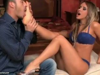 Aleska diamond enjoying karstās pēda fetišs sekss