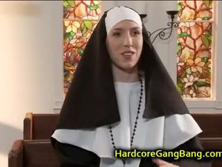 Nonne double penetration gefickt im kirche