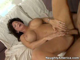角質 熟女 deauxma gets a 新鮮 load の 精液 で 彼女の 口