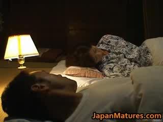 Chisato shouda aktris mini etek kuliste