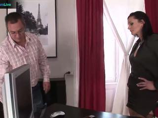 Businesswoman cameron gets ko viņa wants no repairman