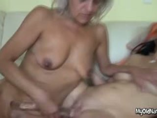 Granny Fucks Herself With Carrot Dildo