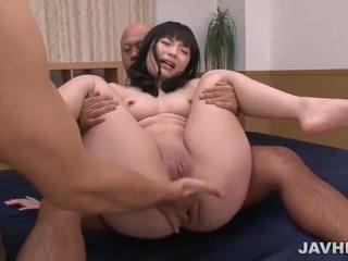 Hina maeda σε ιαπωνικό τρίο