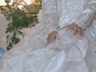 ร้อน เจ้าสาว gets ระยำ ใน งานแต่งงาน ชุดกระโปรง
