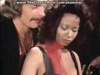 Threesome porn video with vintage pornstars