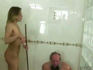 Najstnice punishing dedek
