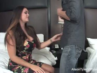 Alison tyler fucks haar vriend