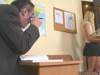 Delightful אנאלי סקס עם מורה