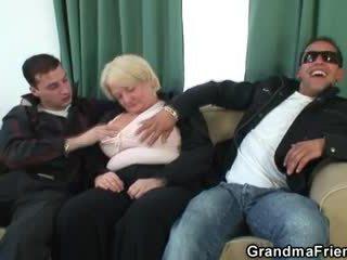 Trojice orgie s opilý babičky