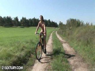 สาธารณะ nudity!