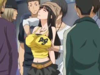 Rondborstig anime seks slaaf gets tepels pinched in publiek