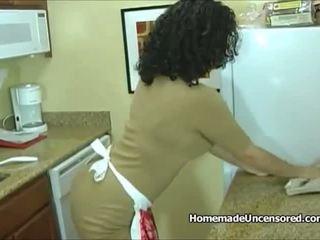 Panas amatur suri rumah menggerudi dalam yang dapur: percuma lucah 95