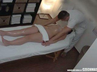 Velký prdel bruneta getting nejlepší masáž vůbec <span class=duration>- 7 min</span>