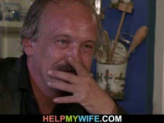 Ouder echtgenoot arranges ondeugend cuckolding