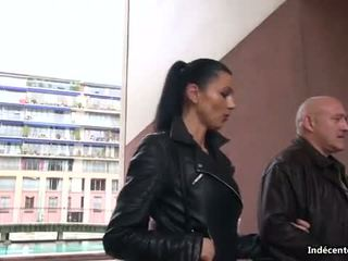 Ania kinski a a swiny starý bag fucks ji asshole