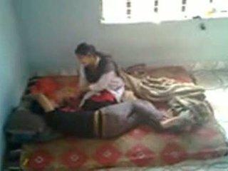 Bangladeshi медична студент з bf в mess (leaked)