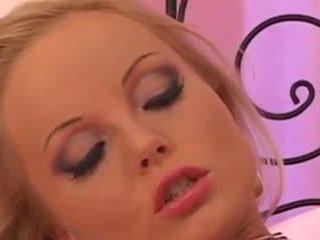Silvia saint solo: vapaa blondi porno video- dc
