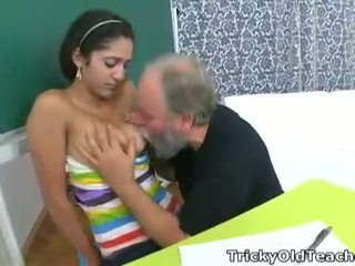 Lara tries to learn the study material with her teacher but realizes she needs to get extra help today