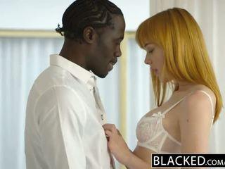 Blacked gjerman adoleshent anny aurora gets bishë e zezë kokosh