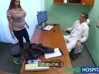 Fakehospital babe wants doctorã¢â€â™s sæd alle løpet henne stor stor pupper video