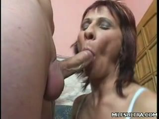 Awesome Mature Milf gets her pussy fingered