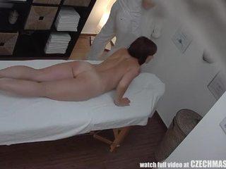 Busty mẹ tôi đã muốn fuck gets fucked lược trong khi massage