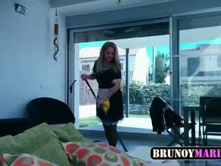 La criada мені hace un servicio especial - brunoymaria