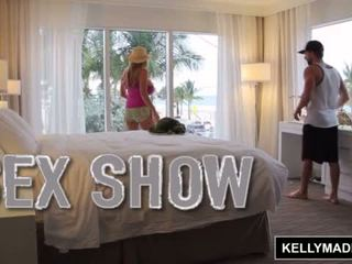 Kelly madison giving a pohlaví show přes the okno <span class=duration>- 11 min</span>