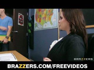 ब्रुनेट टीचर tessa lane हार्डकोर सेक्स पर टेबल