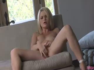 mačiatko, masturbácia čerstvý, plný blondínka
