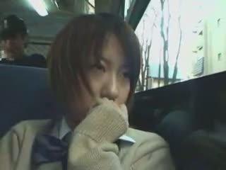Schüchtern schulmädchen befummelt im bus