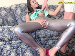 Appealing aziatisch whiff van vers anaal sweat