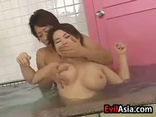 Asiatic pițigoi la dracu la the sauna