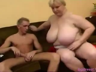 Huge dhadhane babeh gets fucked by a good looking guy