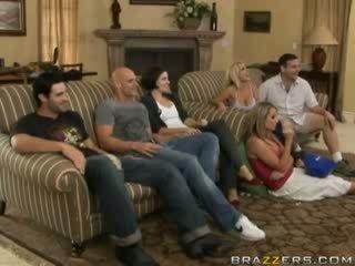 Sexuální činnost mezi rodina members