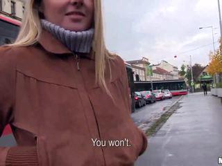 Čeština dívka zuzana banged pro někteří peníze