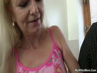 Vanha äiti loves kukko
