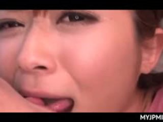 Aziatisch peachy poesje nailed hard in seks video- met rondborstig milf