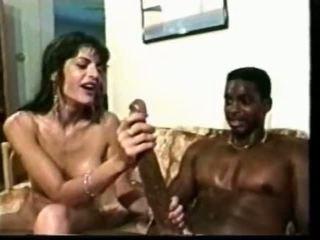 Noir guy avec énorme bite fucks blanc poulette