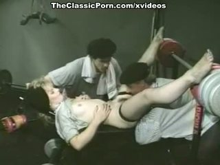 Alexis greco, bambi allen, kristāls breeze uz klasika porno vietā