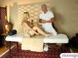Superb blond mieze had ein schön massage und ein heiß wichse auf muschi