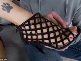 श्यामला, पैर बुत, सेक्सी पैर