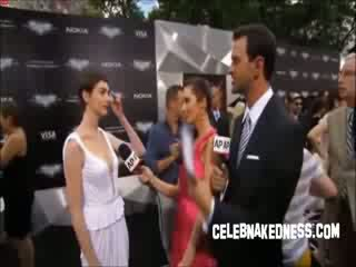 Celeb anne hathaway pokers juures the tume knight premiere