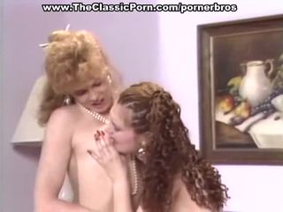 Vintažas lesbiečių turėti karštas putė eating ir toying