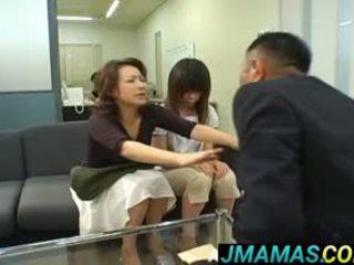 Miki yoshii a maminka mouths fucked podle men
