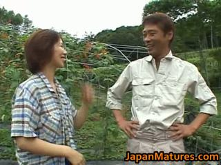 Chisato shouda aziatisch rijpere chick gets