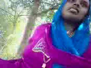 Punjabi aunty giving stimulim me dorë në the park
